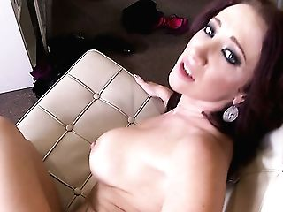 Sexy Huge-titted Jayden Jaymes Uses Her Big Melons For Awesome Boob Job