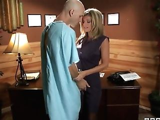 Threesome Act With Adult Movie Stars Johnny Sins, Kristal Summers And Veronica Avluv
