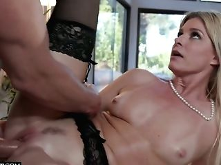 Palatable Platinum-blonde Cougar India Summer Drinks Big Spunk-pump And Gets Her Cooter Ravaged
