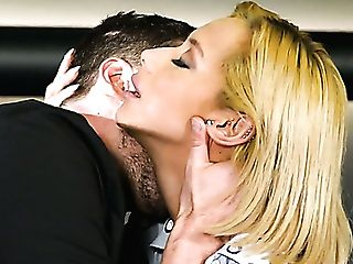 Colombian Whore Veronica Leal Takes Dual Chisel Intrusion While Providing Bj