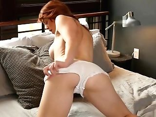 Yankee Ginger-haired Mummy With Jiggly Titties Strips Naked