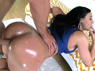 Oiled Bosomy Mummy Kendra Passion Is Just A Supah Hot Weenie Rider