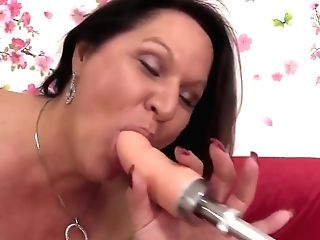 Amazing Matures Leylani Wood Spreads Her Gams For A Machine