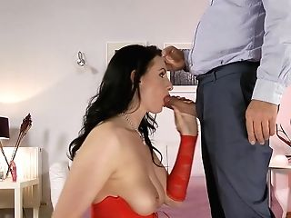 Classy Cougar Fucked After Fingerblasting Her Backside