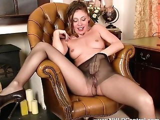 Office Taunt French Chloe Plays With Her Humid Natural Poon Thru Her Ripped Open Pantyhose Gusset