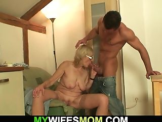 Gfs Old Mom Is Horny Bitch!
