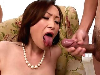 Classy Japanese Cougar Miyama Ranko Gets Fat Facial Cumshot Pop-shot
