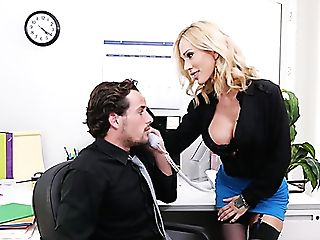 Kinky Enticing Assistant Sarah Jessie Is Good At Topping Her Chief